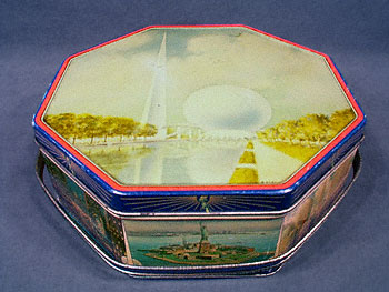 1939 WORLD'S FAIR OCTAGONAL BISCUIT TIN
